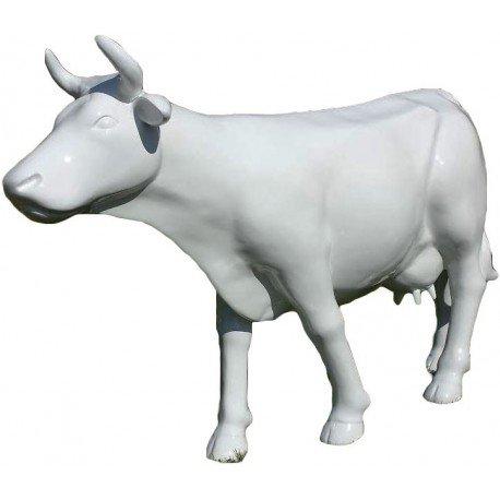 Vache blanche grandeur nature