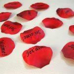 100 pétales de roses «Je t'aime»