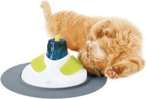Appareil de massage insolite pour chat