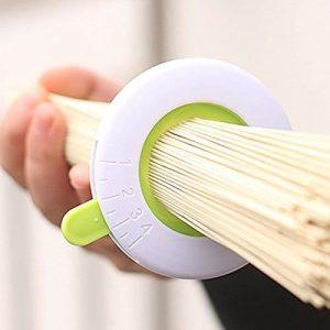 Doseur de spaghettis, ustensile de cuisine insolite