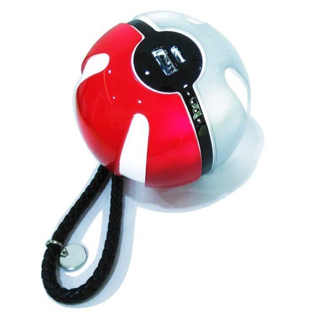 Batterie externe en forme de Pokeball