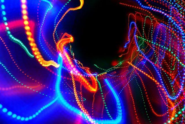 Objets lumineux insolites Flickr CC Barta IV