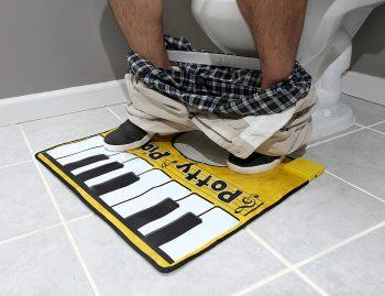 Piano insolite pour toilettes