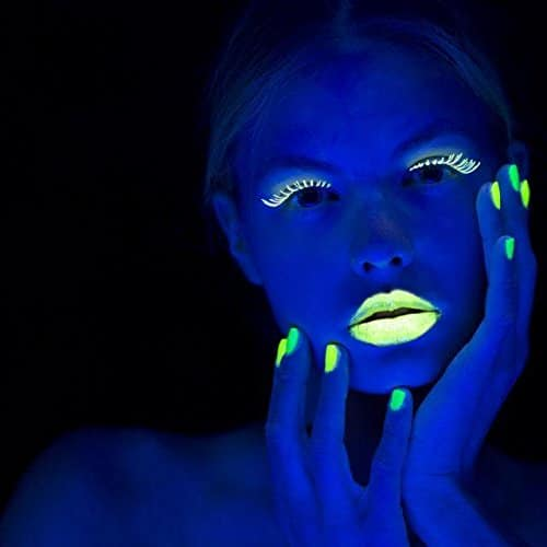 Vernis à ongles fluorescent