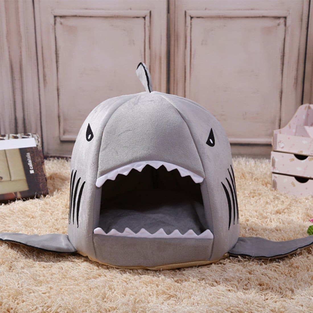 niche requin accessoires et gadgets pour animaux mr etrange. Black Bedroom Furniture Sets. Home Design Ideas