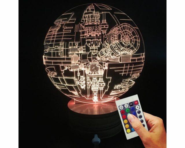 Lampe déco étoile de la mort Star Wars (hologramme 3D)