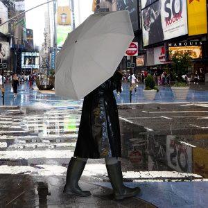 Parapluie réfléchissant insolite gadget